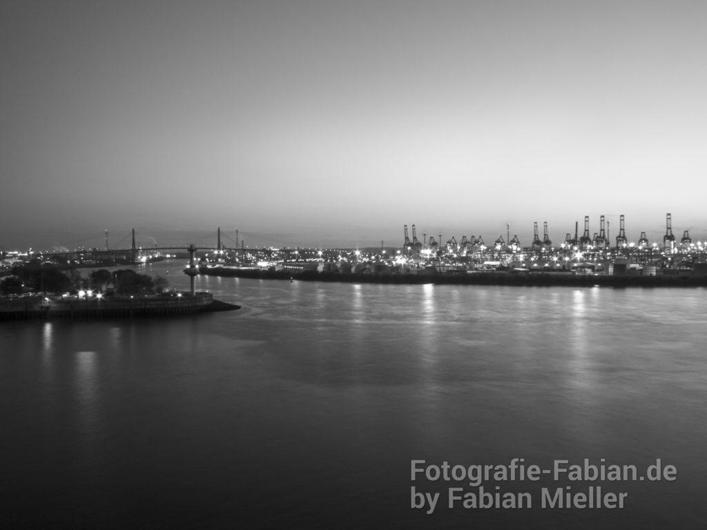 Hamburger Hafen Schwarz/Weiß